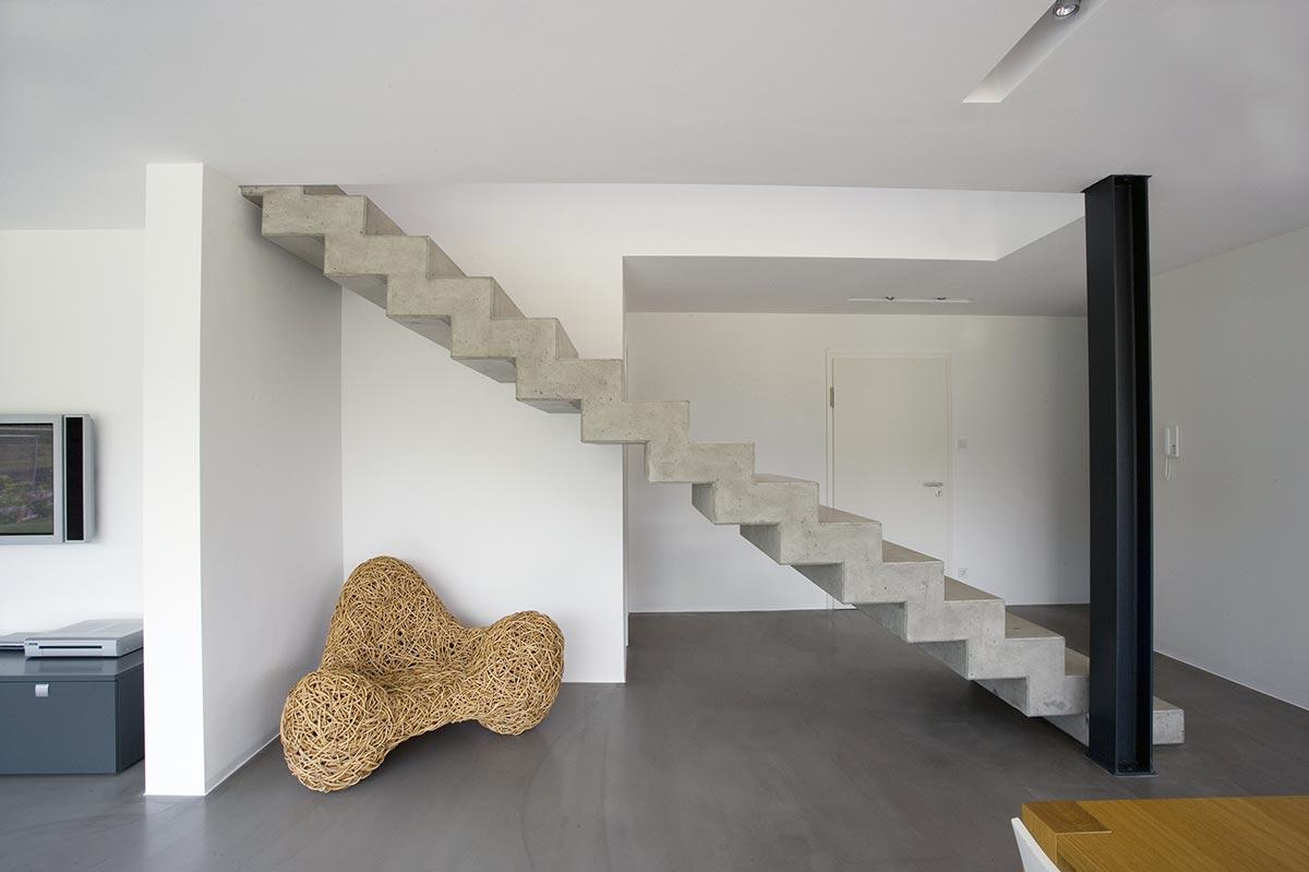 бетонная лестница на второй этаж в частном доме