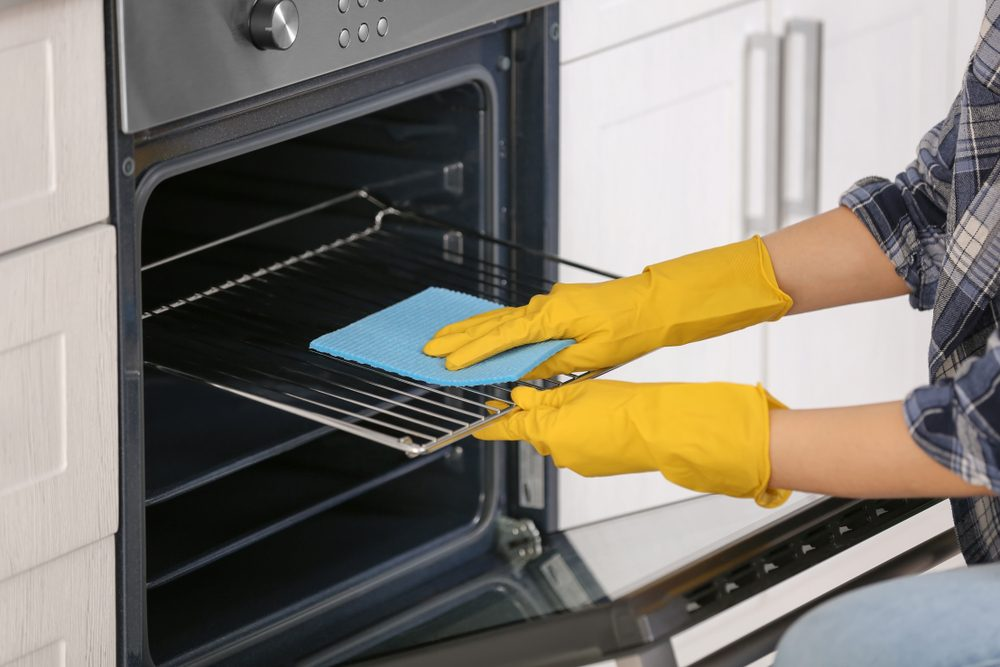 как очистить духовку паром