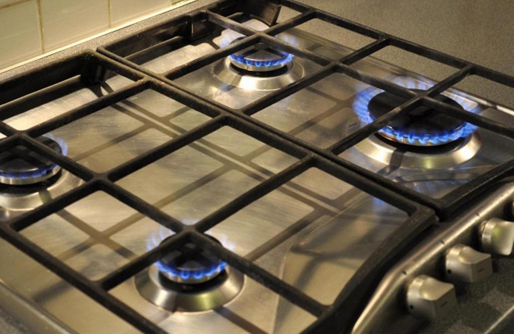 как прокалить чугунную сковородку