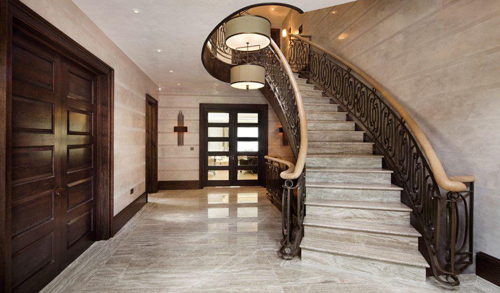 каменная лестница на второй этаж в частном доме