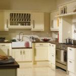 кухня ванильного цвета оформление фото