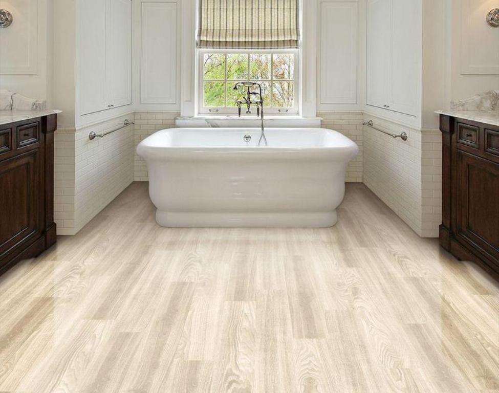 кварц-виниловая плитка в ванной