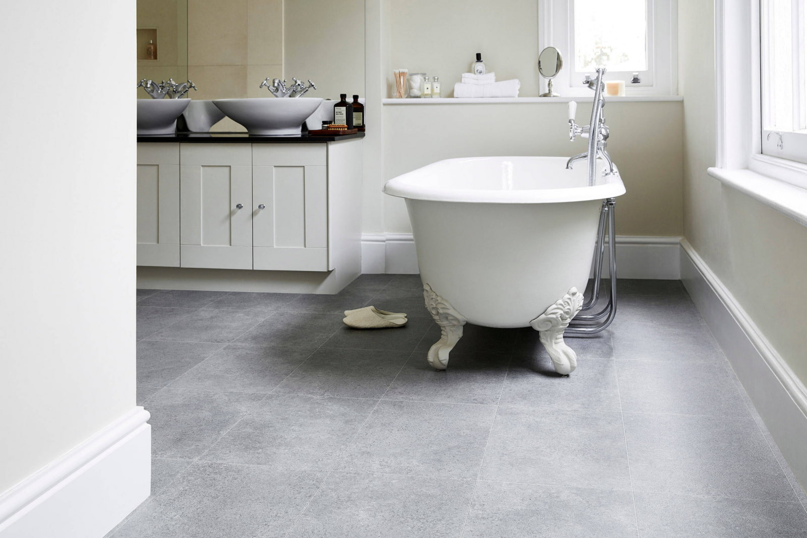 кварц-виниловая плитка для пола в ванной