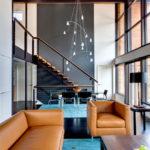 лестница на второй этаж в частном доме фото оформления