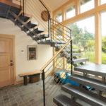 лестница на второй этаж в частном доме варианты фото