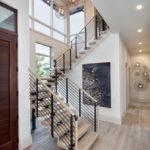 лестница на второй этаж в частном доме виды