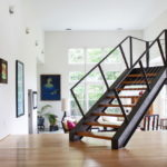 лестница на второй этаж в частном доме виды оформления