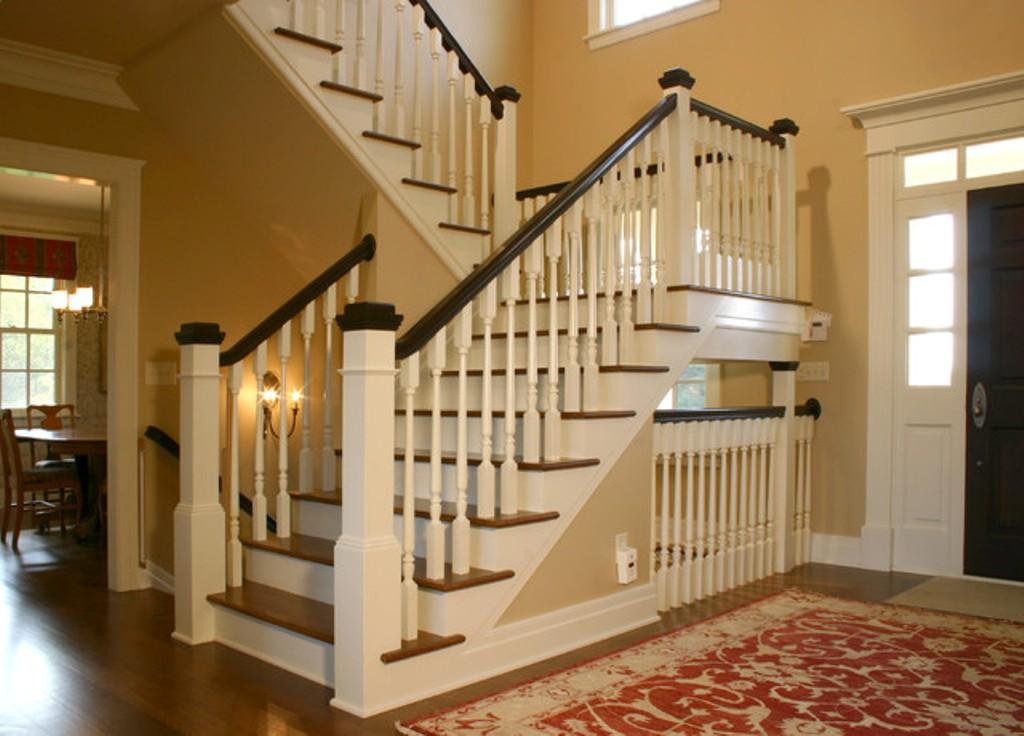 лестница на второй этаж в частном доме дизайн фото