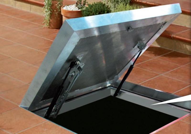 люк в подвал металлический