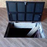 напольный люк в подвал оформление