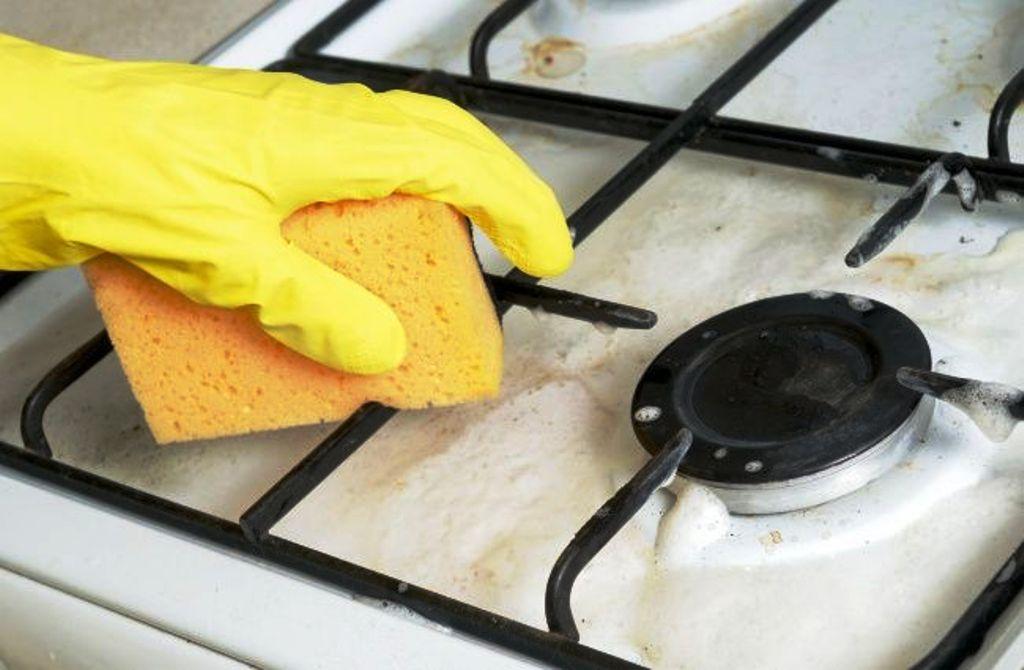 очистка решетки мыльным раствором