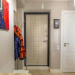 отделка входной двери виды оформления