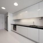современная белая кухня интерьер идеи