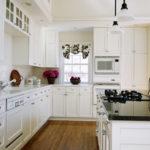 современная белая кухня оформление
