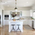 современная белая кухня виды декора