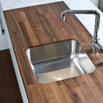 столешница из дерева для кухни фото оформления