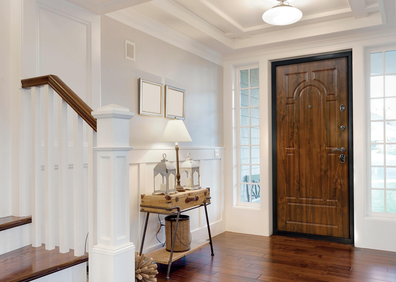 входная дверь в квартиру дерево