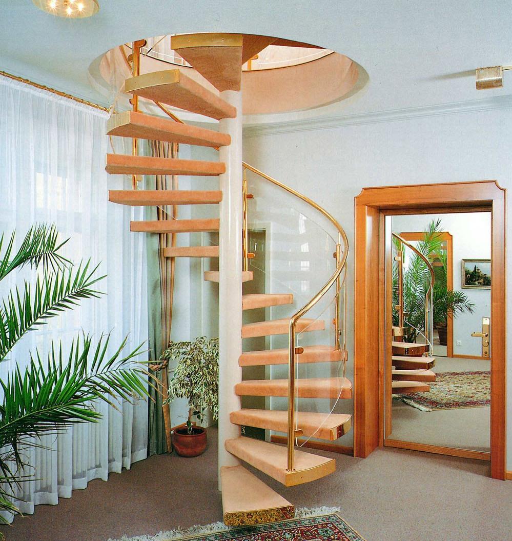 винтовая лестница на второй этаж в частном доме