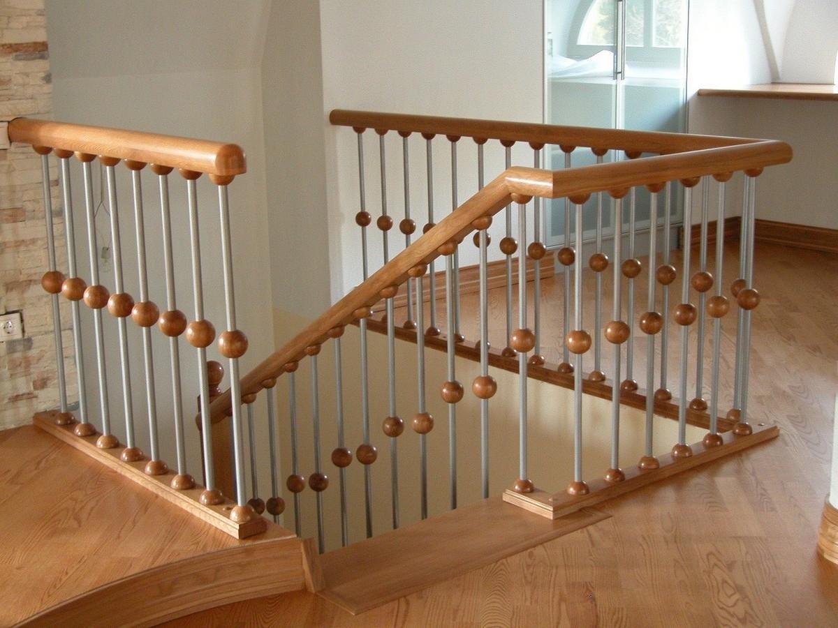 перила для лестницы из дерева фото дочь гитлера