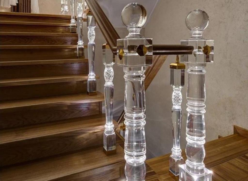 балясины для лестницы акриловые