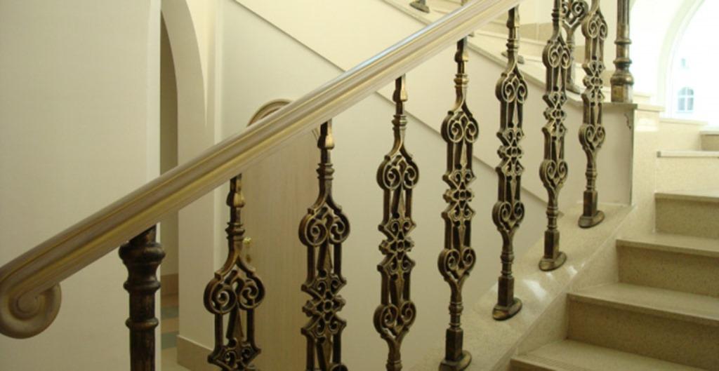 балясины для лестницы чугунные