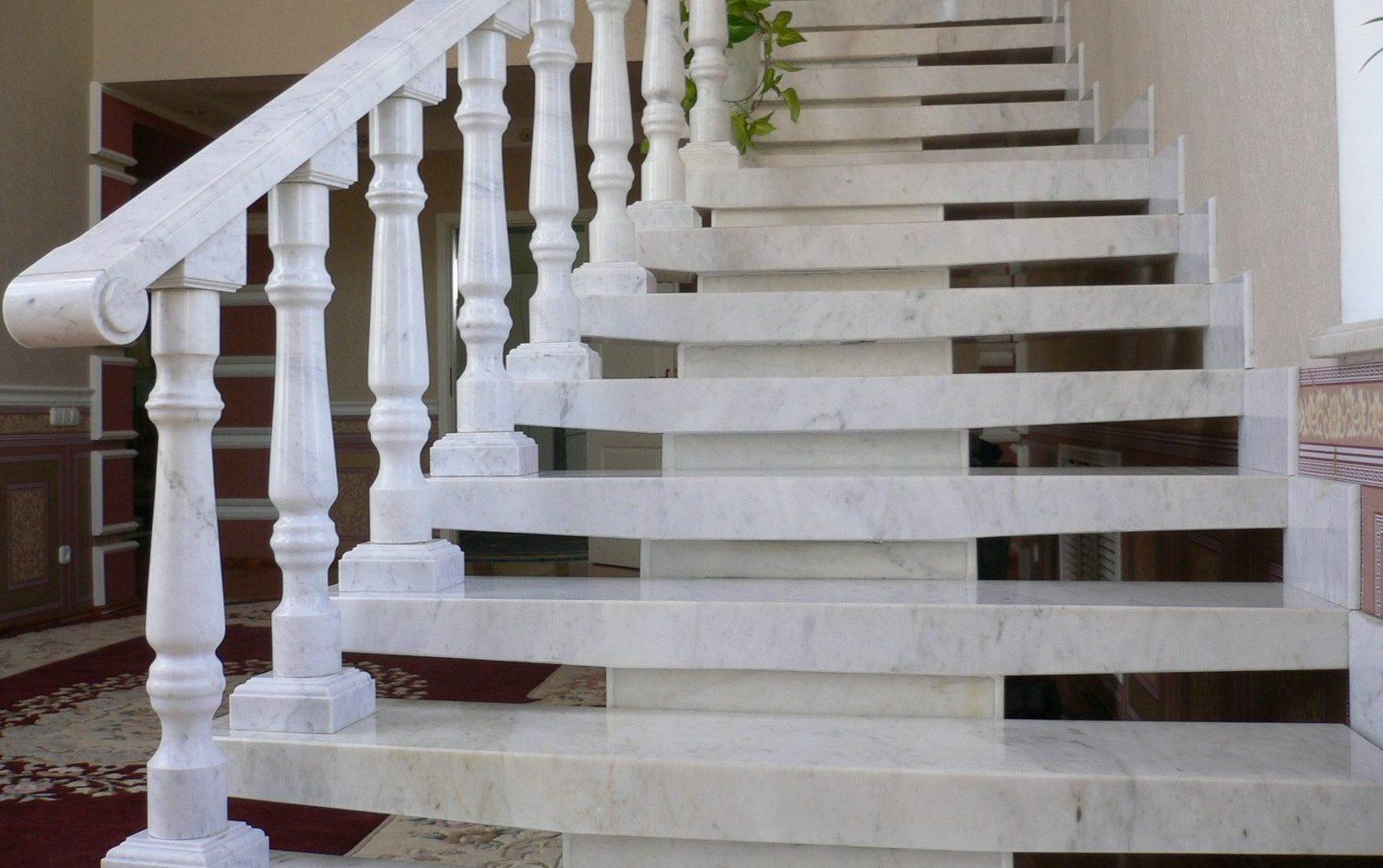 балясины для лестницы дизайн фото
