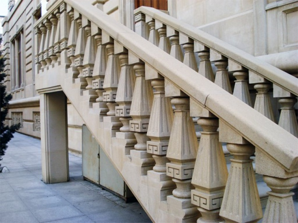 балясины для лестницы каменные
