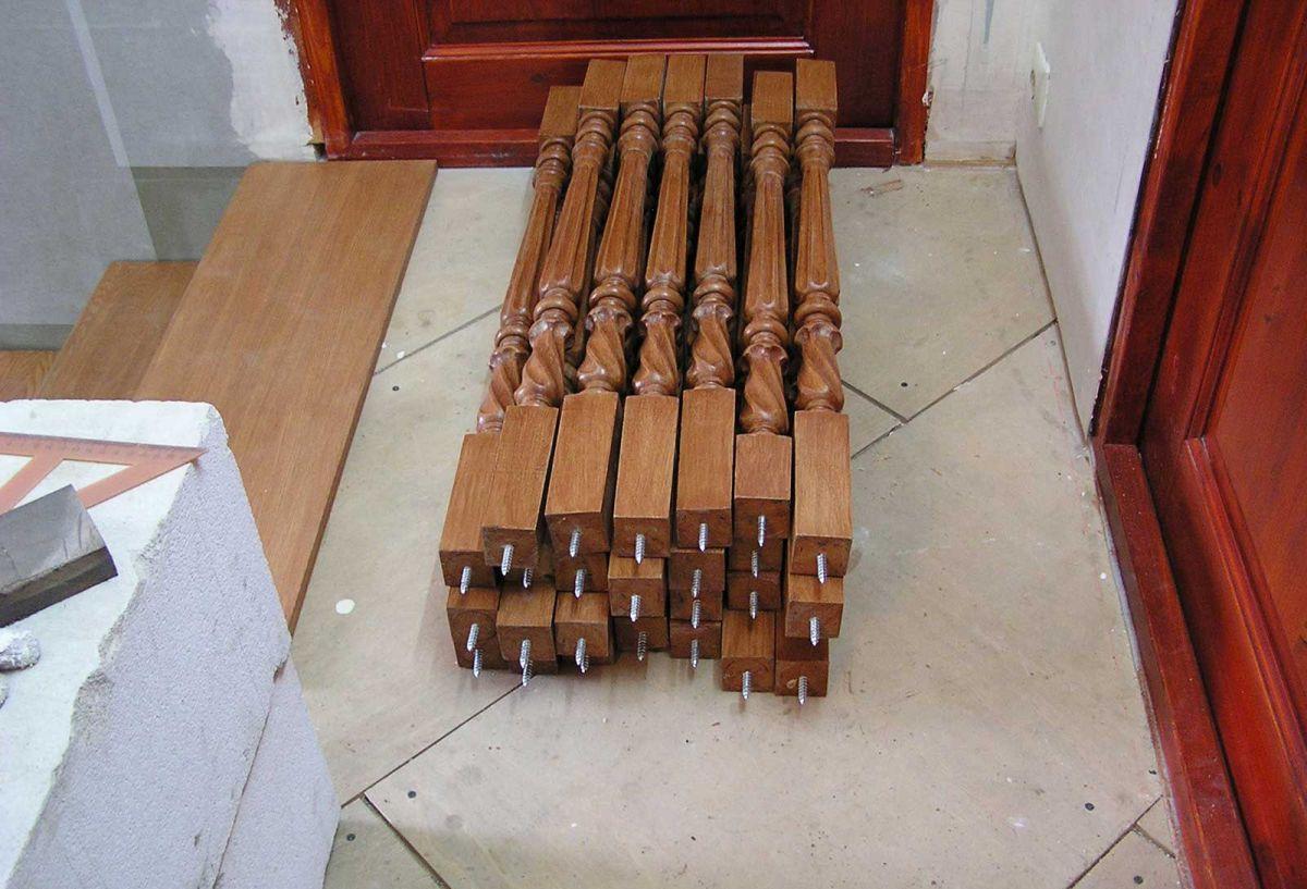 балясины для лестницы на шпильках