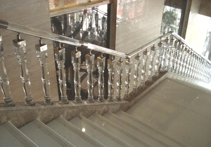 балясины для лестницы стеклянные