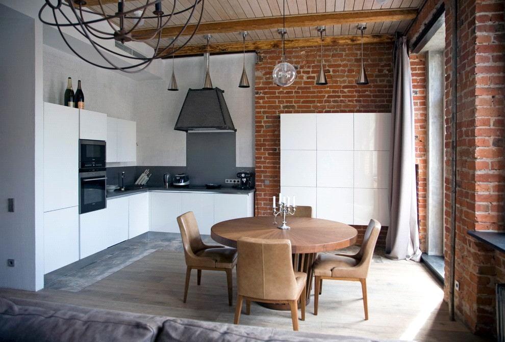 белая кухня с чёрной столешницей лофт