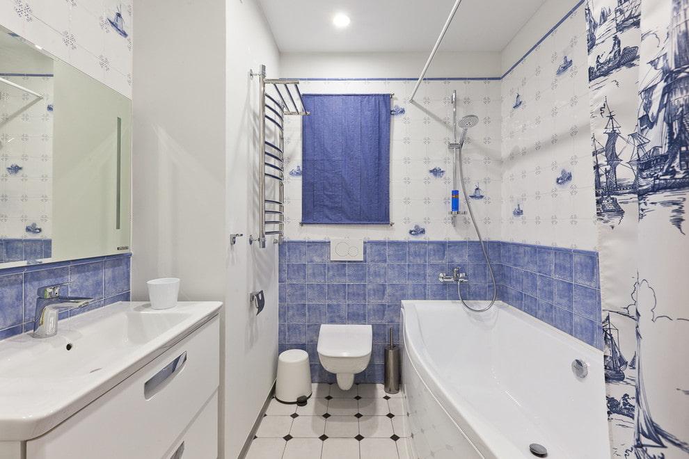 белая ванная комната с синим