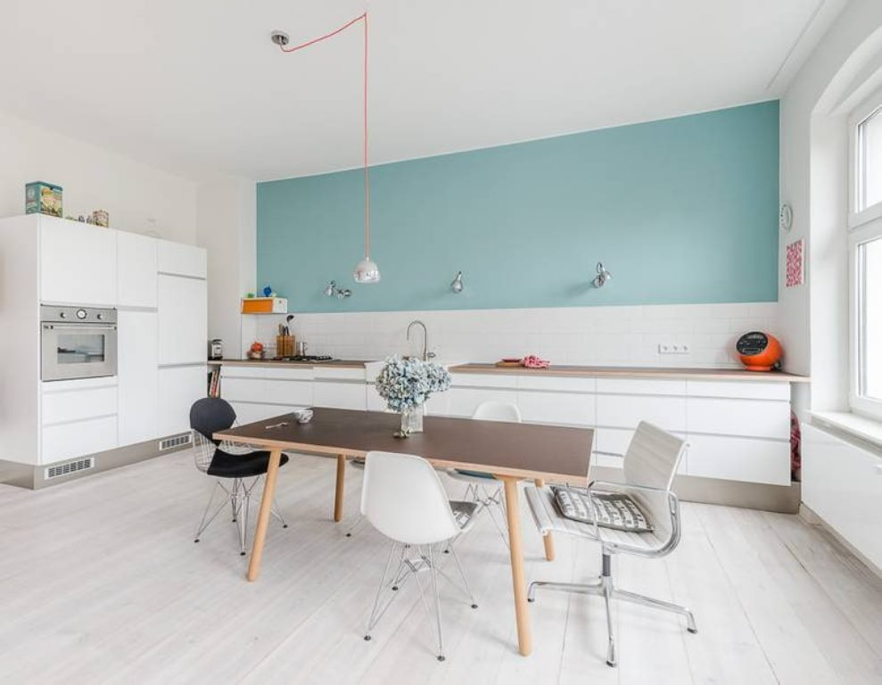 светло голубой цвет стен на кухне