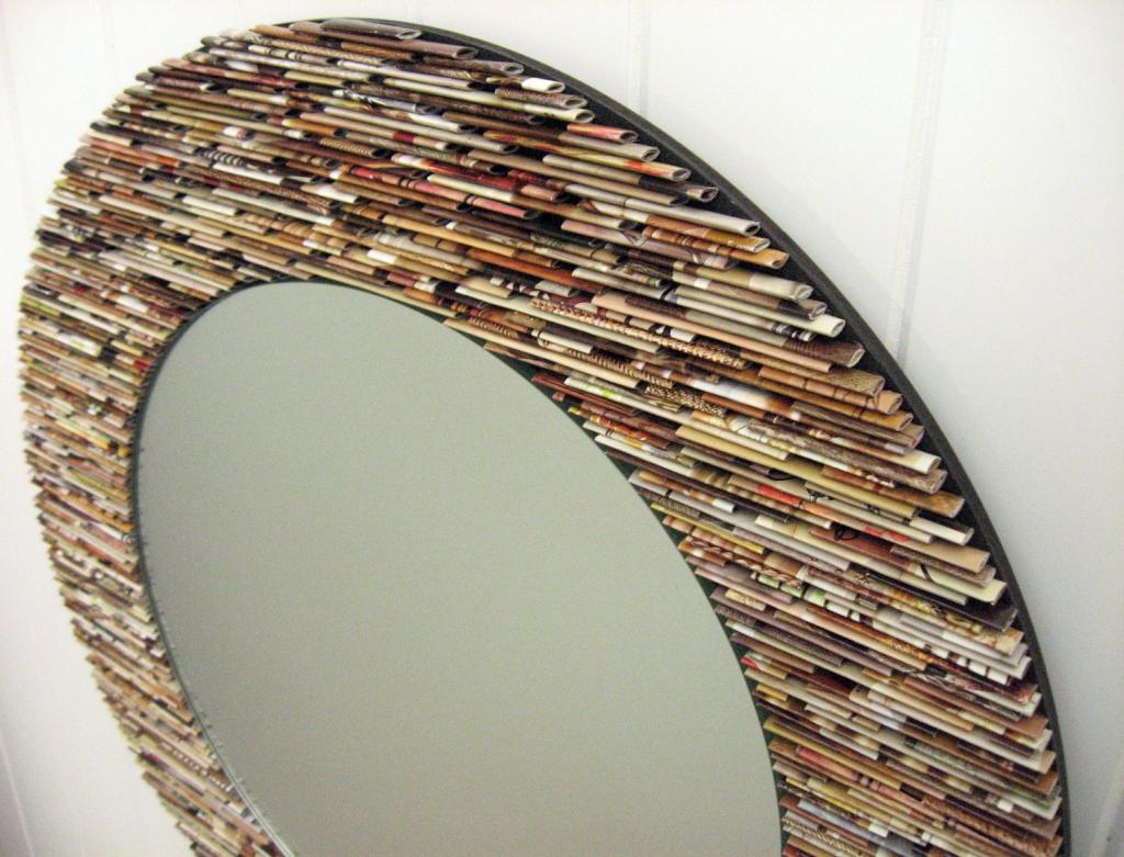 декор зеркала бумажными трубочками