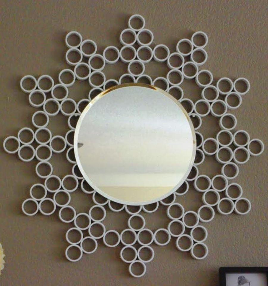 декор зеркала пвх трубами