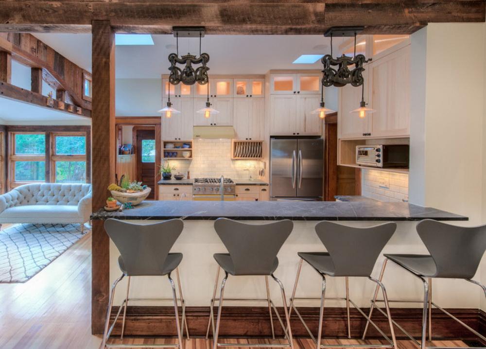 деревянный плинтус на кухне