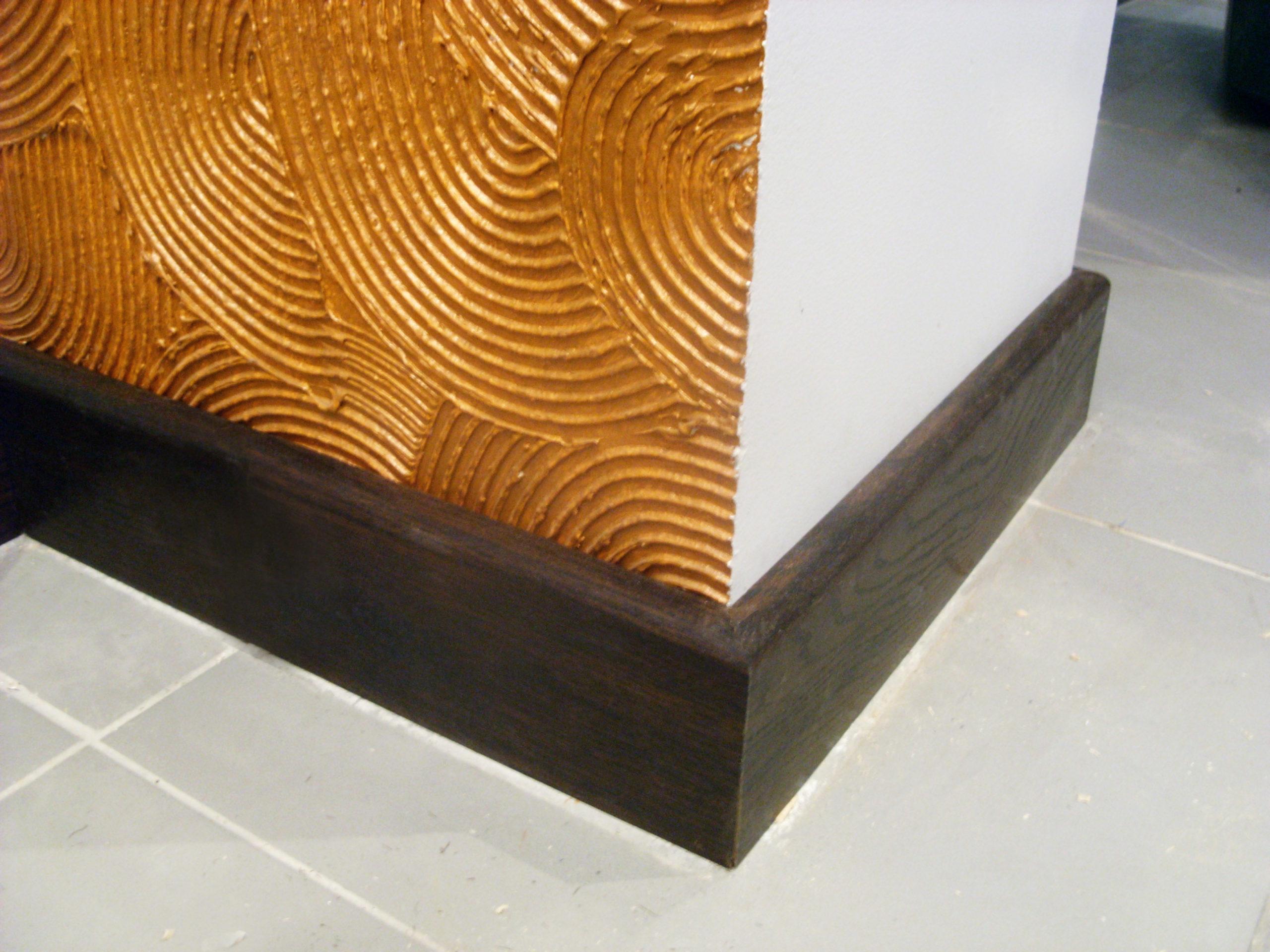 деревянный плинтус оформление