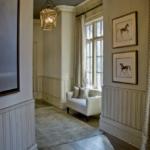 деревянный плинтус в частном доме фото