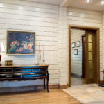 деревянный плинтус в частном доме фото идеи