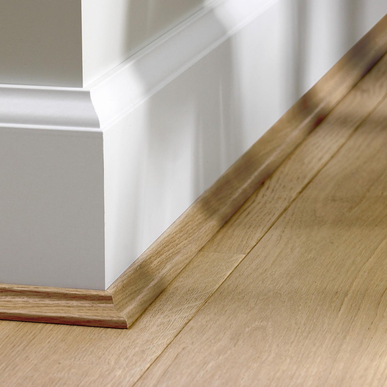 Плинтус напольный деревянный широкий фото