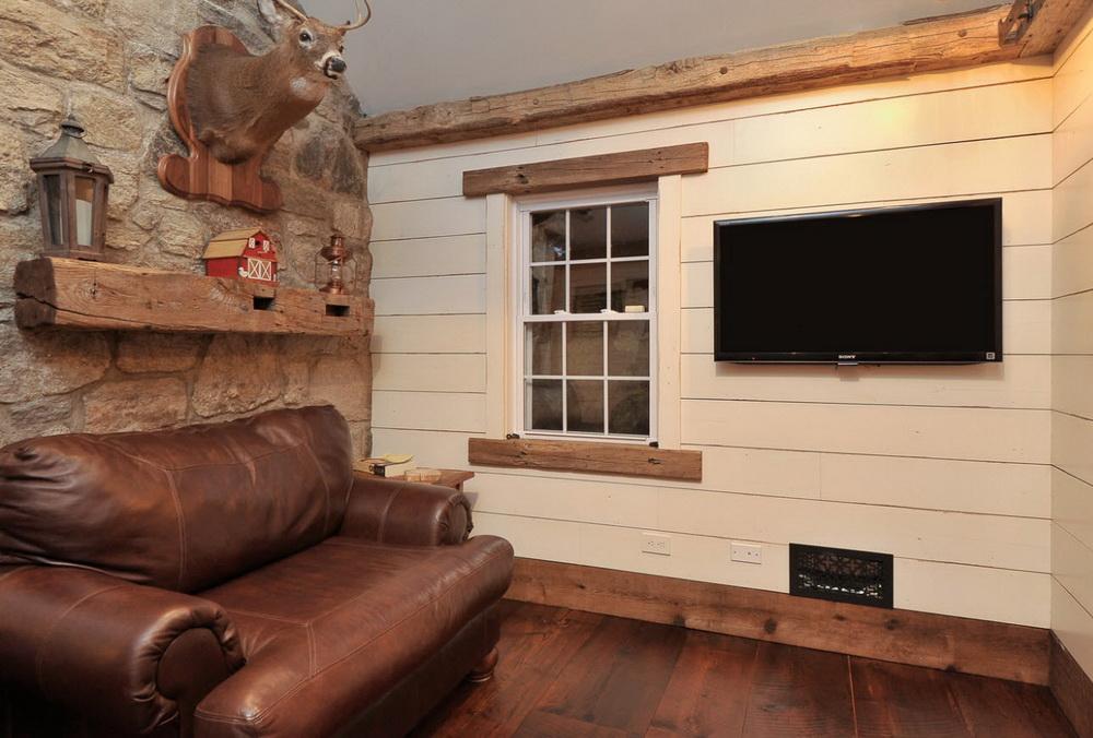 деревянный плинтус в доме