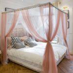кровать с балдахином декор