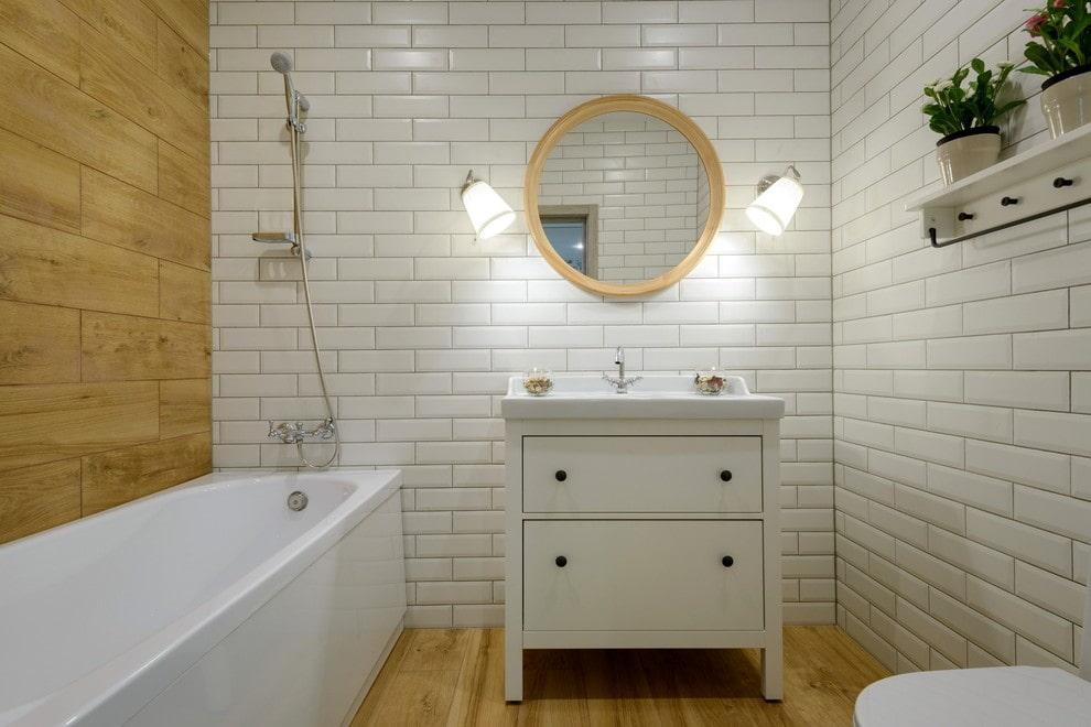 небольшая ванная комната в скандинавском стиле