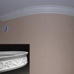 плинтус для натяжного потолка фото варианты
