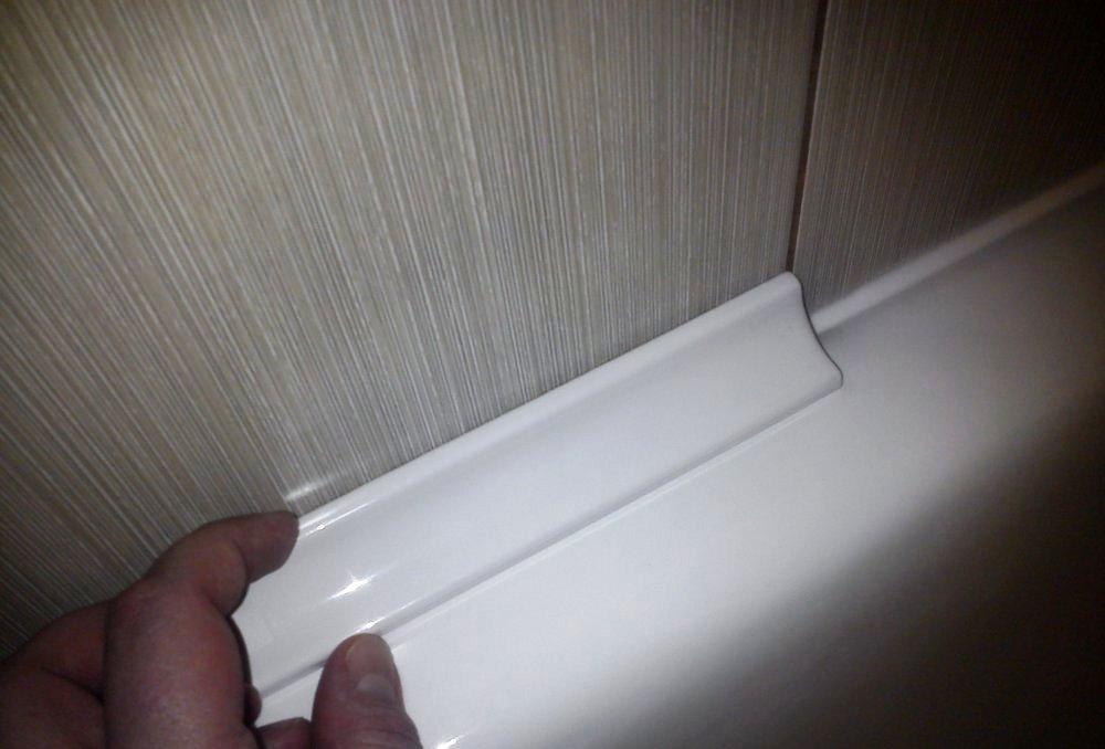 плинтуса для ванных комнат выбор