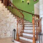 подсветка лестницы в частном доме фото декора