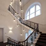 подсветка лестницы в частном доме интерьер