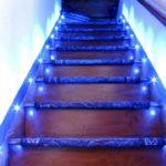 подсветка лестницы в частном доме идеи фото