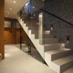 подсветка лестницы в частном доме оформление фото