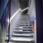 подсветка лестницы в частном доме фото оформления