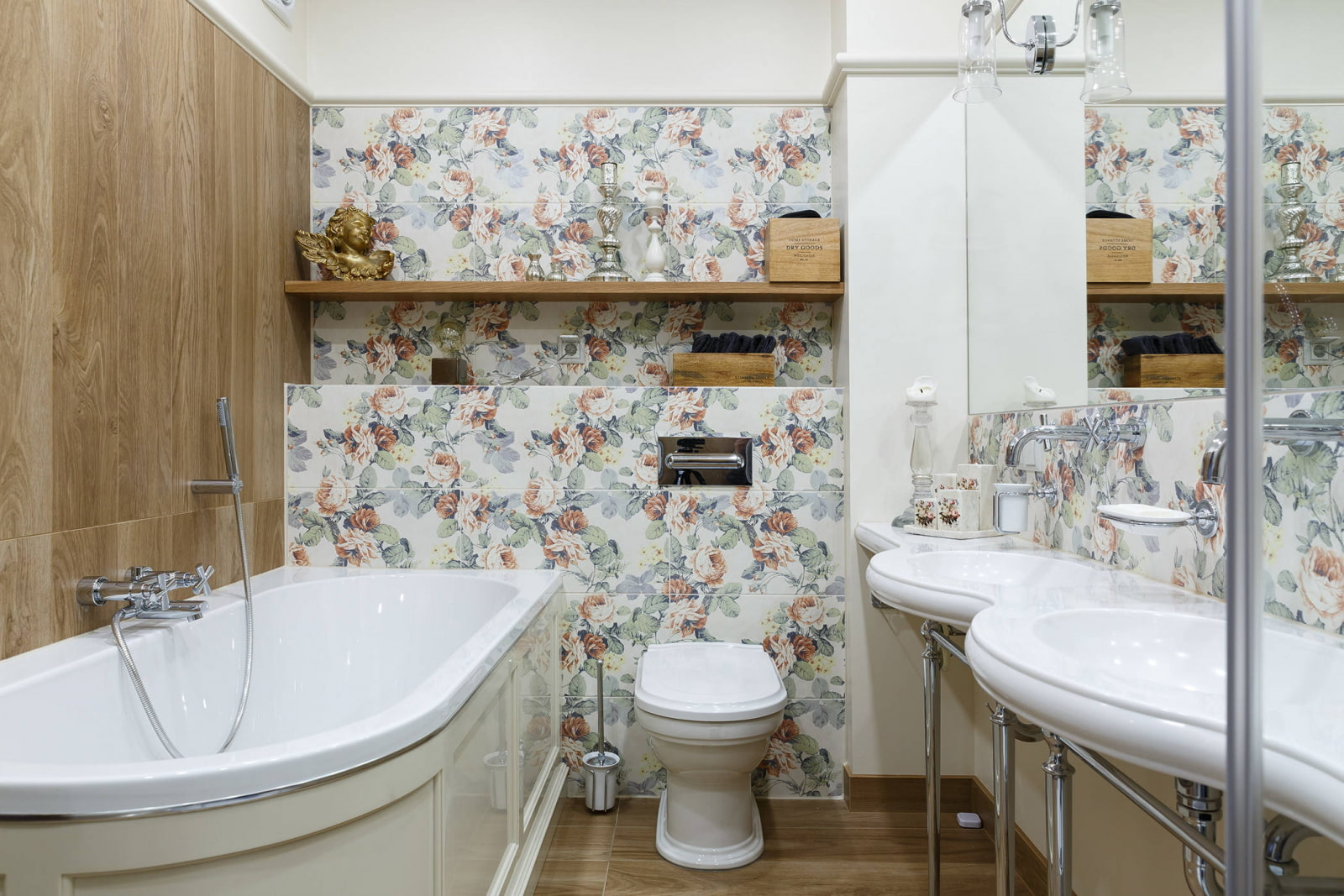 полки в ванной комнате из дерева